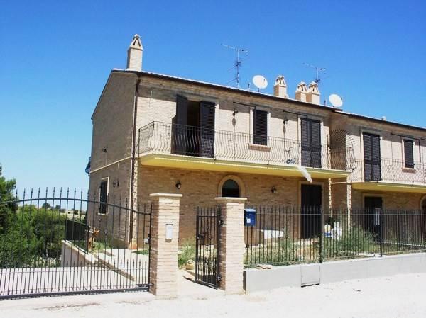 Villa quadrilocale in vendita a Ripatransone (AP)