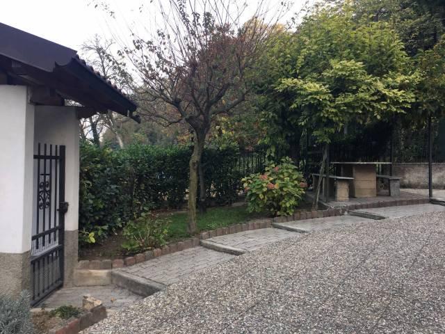 Villa 6 locali in vendita a Calolziocorte (LC)