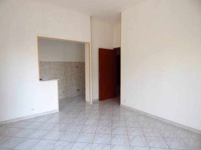 Cuneo, San Rocco, alloggio ristrutturato a nuovo con box
