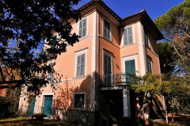 Appartamento in buone condizioni in vendita Rif. 6964055