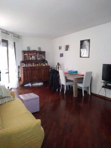Appartamento in buone condizioni parzialmente arredato in affitto Rif. 5297546