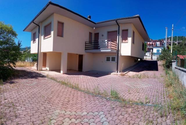 Villa 6 locali in vendita a L'Aquila (AQ)