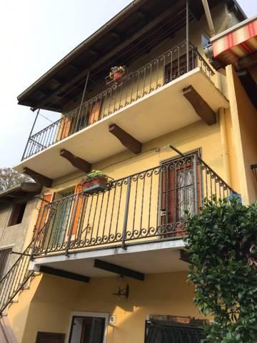 Casa indipendente trilocale in vendita a Cossogno (VB)