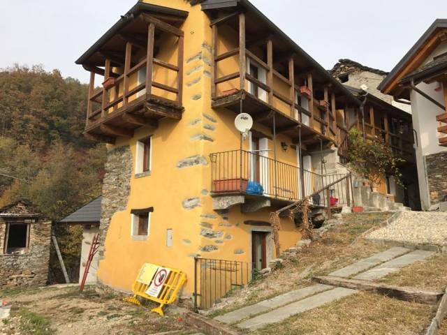 Casa indipendente 5 locali in vendita a Cossogno (VB)