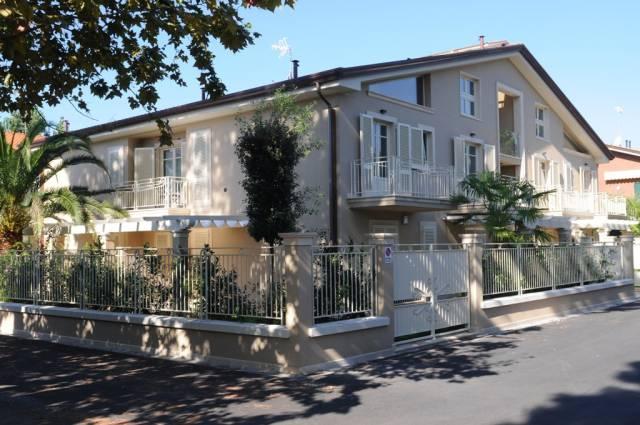 Appartamento quadrilocale in vendita a Massa (MS)