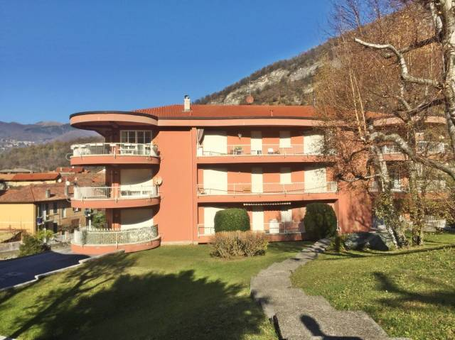 Appartamento in buone condizioni arredato in vendita Rif. 5082212