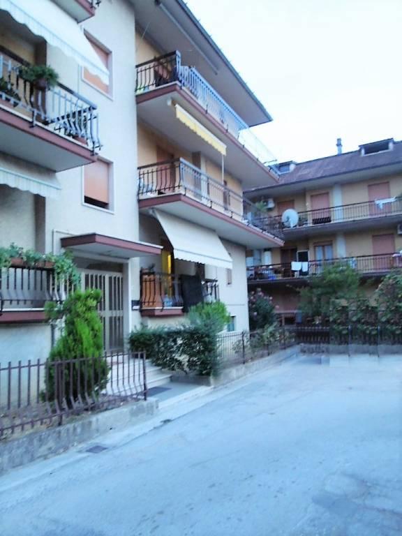 Appartamento in buone condizioni in vendita Rif. 4836937