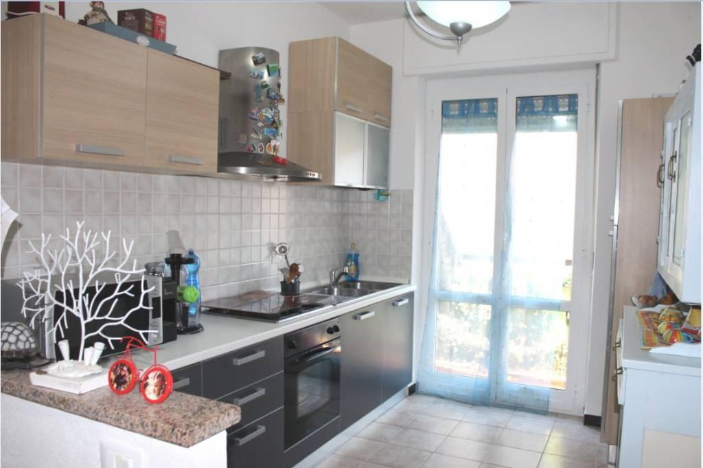 Appartamento in ottime condizioni arredato in vendita Rif. 9180114