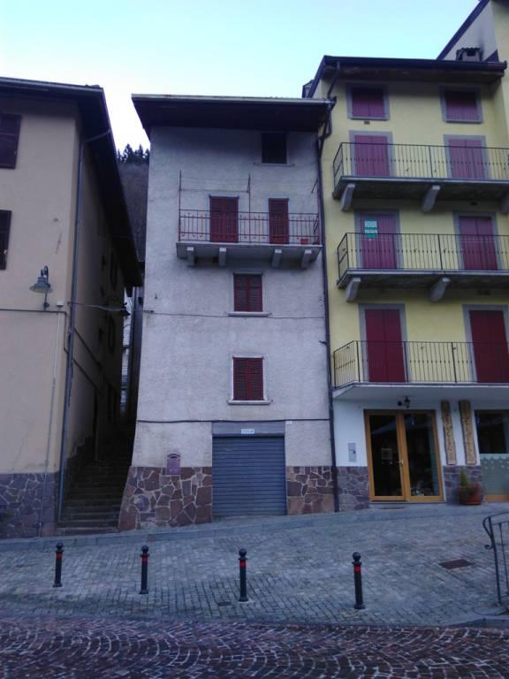 Soluzione Indipendente in vendita a Roncobello, 8 locali, prezzo € 55.000 | CambioCasa.it