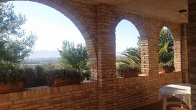 Rustico / Casale in ottime condizioni in vendita Rif. 4218425