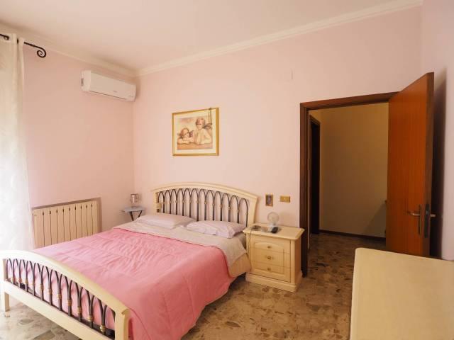 Appartamento in buone condizioni parzialmente arredato in vendita Rif. 4894657