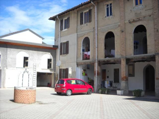 Appartamento in buone condizioni in vendita Rif. 4473746