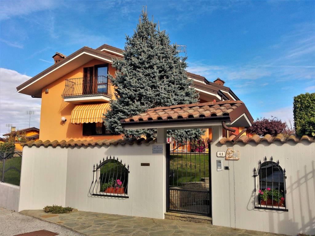 Villa in vendita a Bernezzo, 6 locali, prezzo € 330.000 | CambioCasa.it