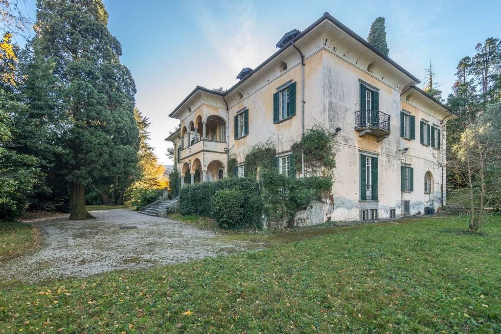 Villa in vendita a Griante, 10 locali, prezzo € 5.000.000 | CambioCasa.it