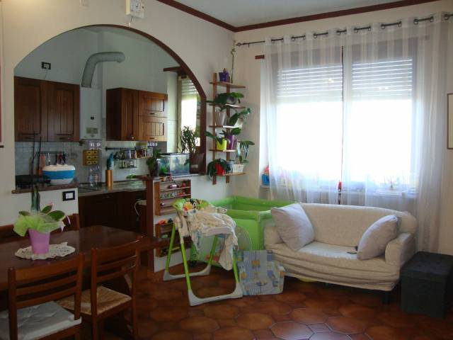 Appartamento in ottime condizioni in vendita Rif. 4235600