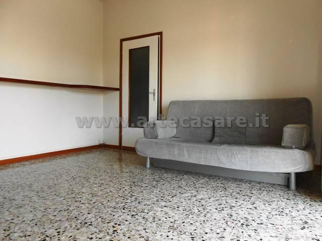 Appartamento in affitto a Canegrate, 2 locali, prezzo € 500 | Cambio Casa.it