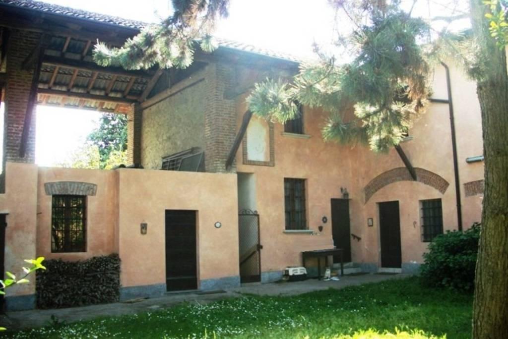 Villa in vendita a Belgioioso, 11 locali, prezzo € 278.400 | CambioCasa.it