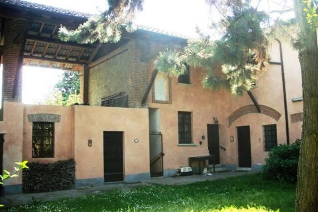 Villa in vendita a Belgioioso, 6 locali, prezzo € 430.000 | Cambio Casa.it