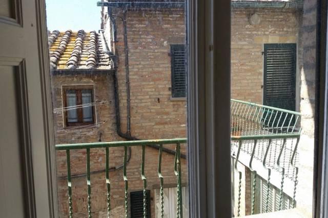 Bilocale Volterra Via San Lino 6