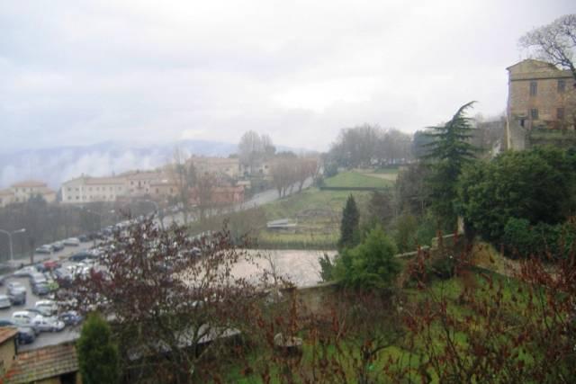 Bilocale Volterra Via San Lino 8