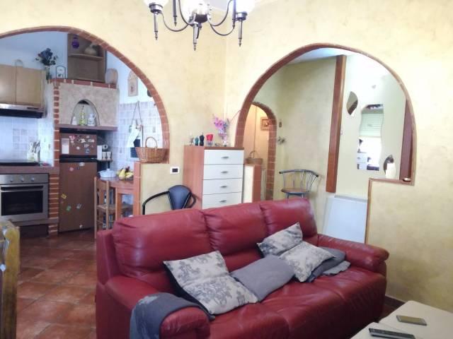 Appartamento in ottime condizioni arredato in vendita Rif. 5285455