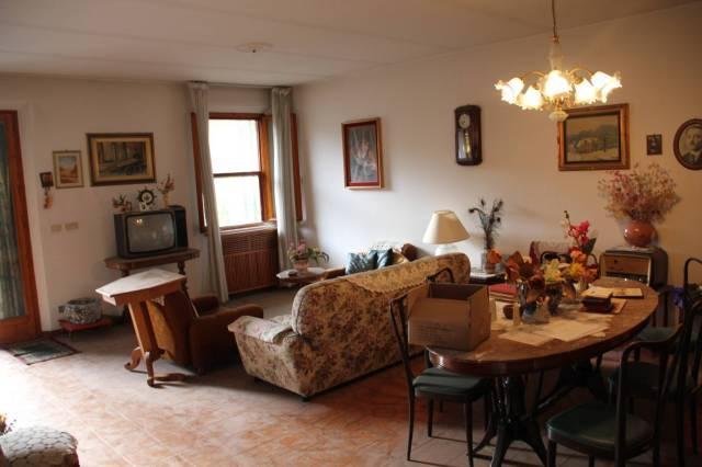 Appartamento in Vendita a Savignano Sul Rubicone Centro: 5 locali, 158 mq