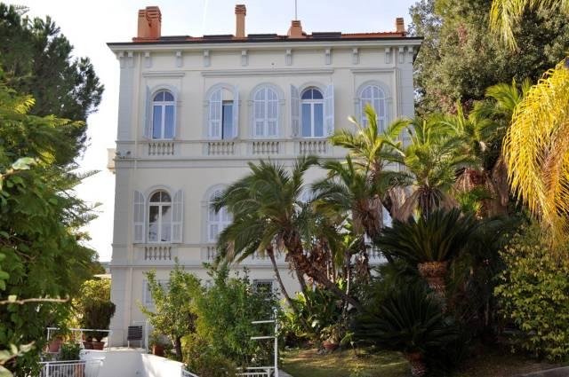 Villa in Vendita a San Remo Semicentro: 5 locali, 1325 mq