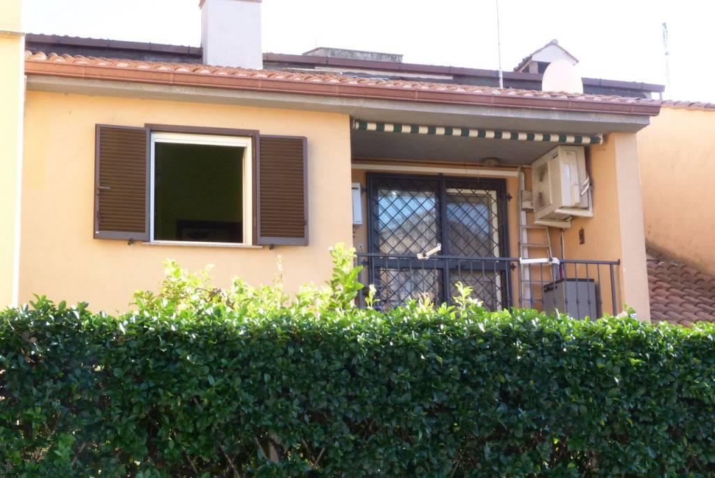 Appartamento in ottime condizioni arredato in affitto Rif. 4196033