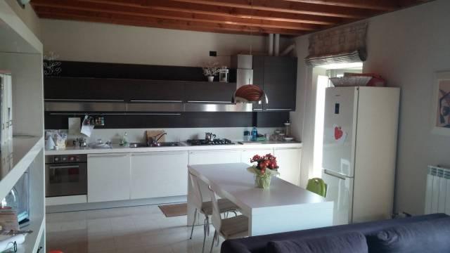 Appartamento in ottime condizioni parzialmente arredato in vendita Rif. 6567966