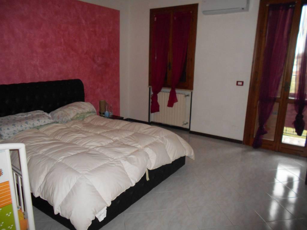 Villetta a schiera in buone condizioni in vendita Rif. 8900402