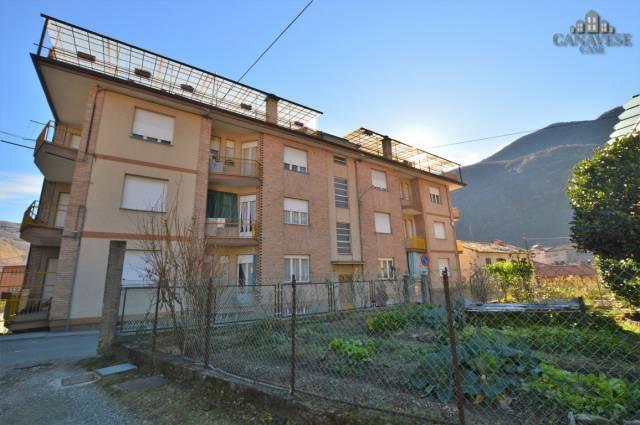 Appartamento in buone condizioni in affitto Rif. 4924757