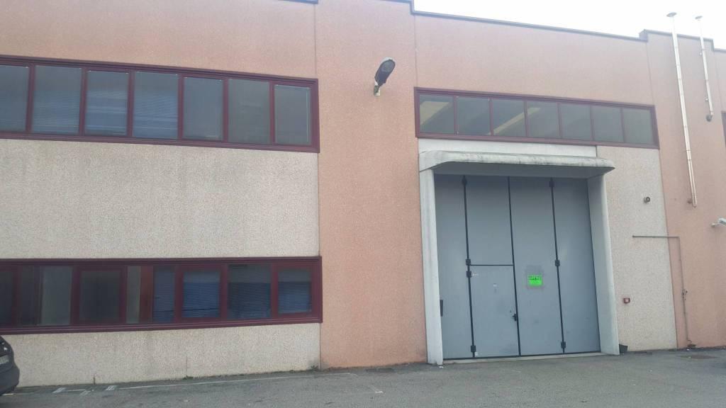 Capannone in affitto a Legnano, 1 locali, prezzo € 2.200 | PortaleAgenzieImmobiliari.it