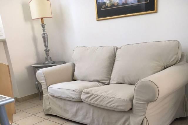 Appartamento in buone condizioni arredato in affitto Rif. 4401432