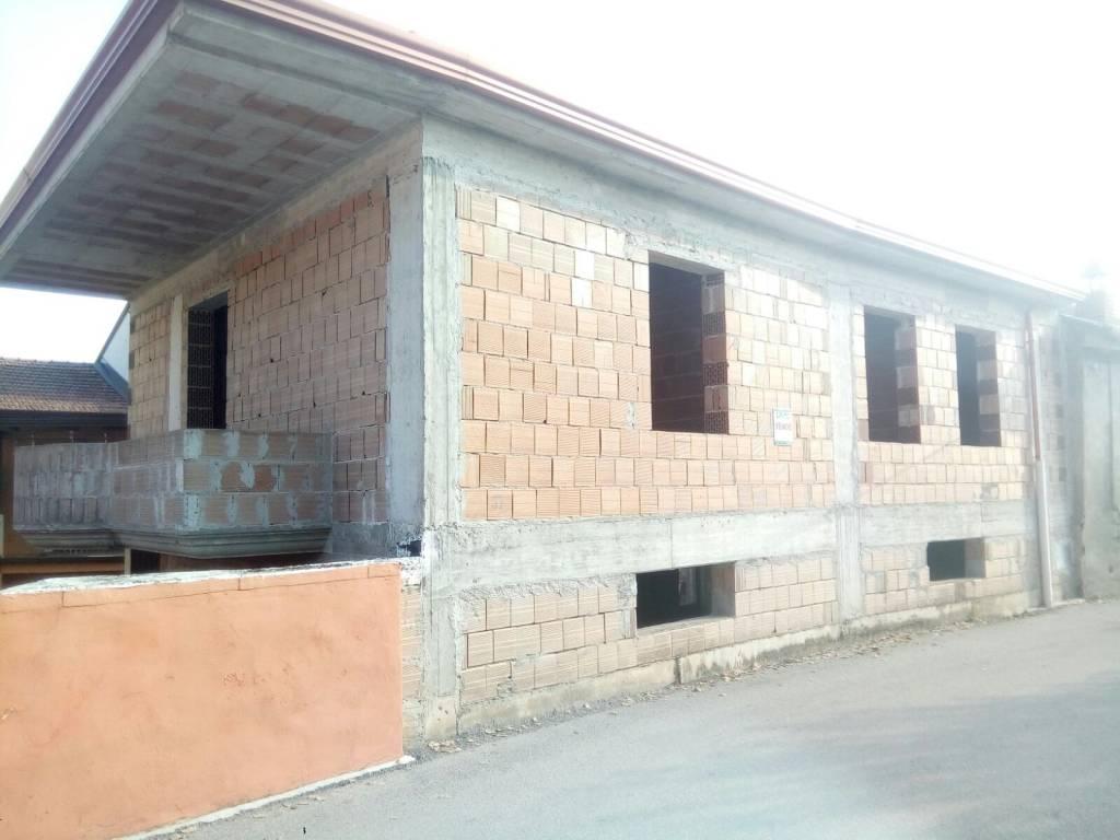 Villa quadrilocale in vendita a Limatola (BN)