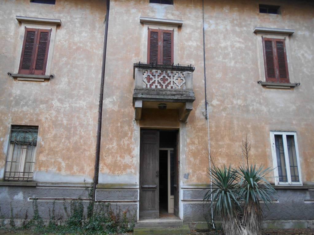 Rustico / Casale da ristrutturare in vendita Rif. 8900403