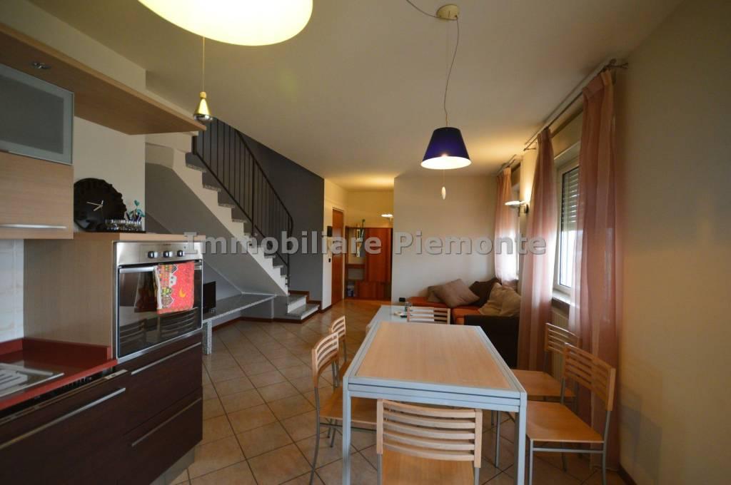 Appartamento in vendita a Borgomanero, 4 locali, prezzo € 155.000 | PortaleAgenzieImmobiliari.it