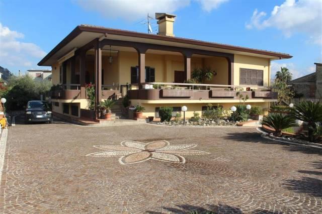 Villa in ottime condizioni arredato in vendita Rif. 4467099