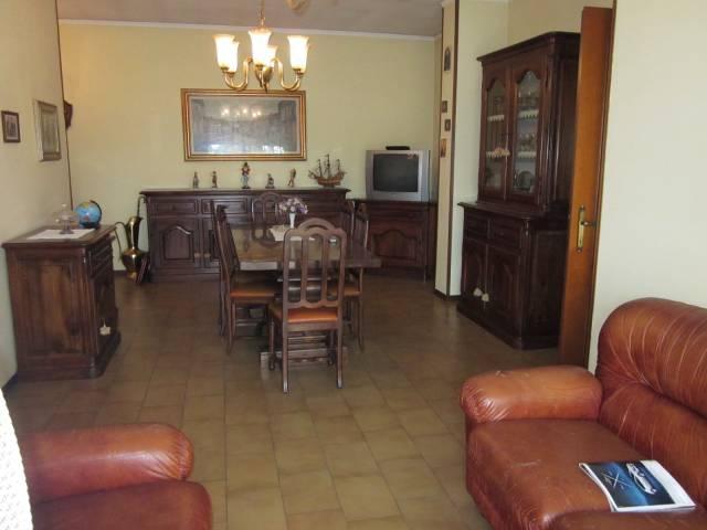 Appartamento in buone condizioni in vendita Rif. 6948653