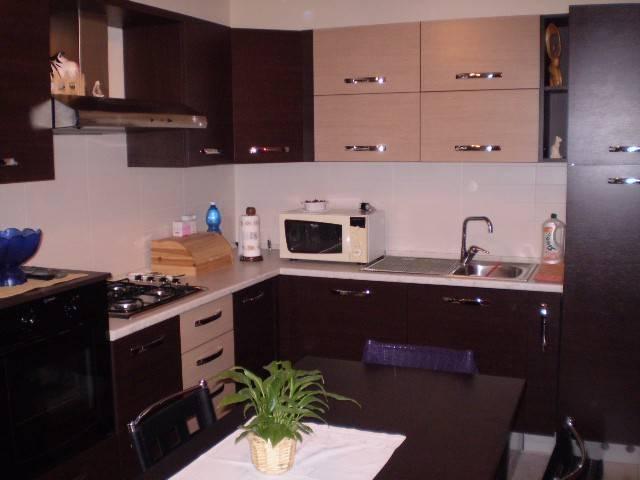 CASTELGOMBERTO: mini appartamento arredato bene, in centro