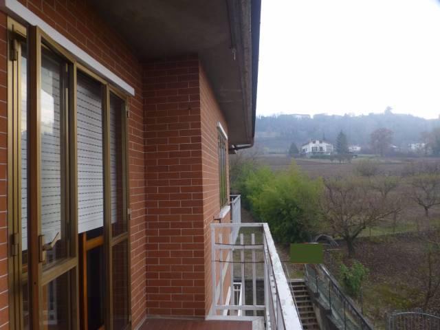 Appartamento in buone condizioni in vendita Rif. 4405652