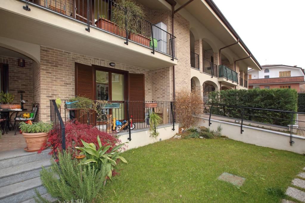 Appartamento in ottime condizioni in vendita Rif. 7083978