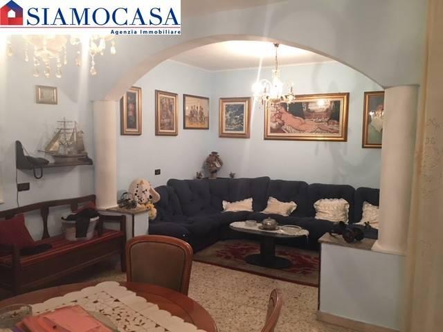 Appartamento in buone condizioni in vendita Rif. 5303748