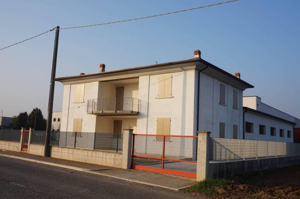 Capannone in vendita a Ghedi, 6 locali, prezzo € 670.000 | PortaleAgenzieImmobiliari.it