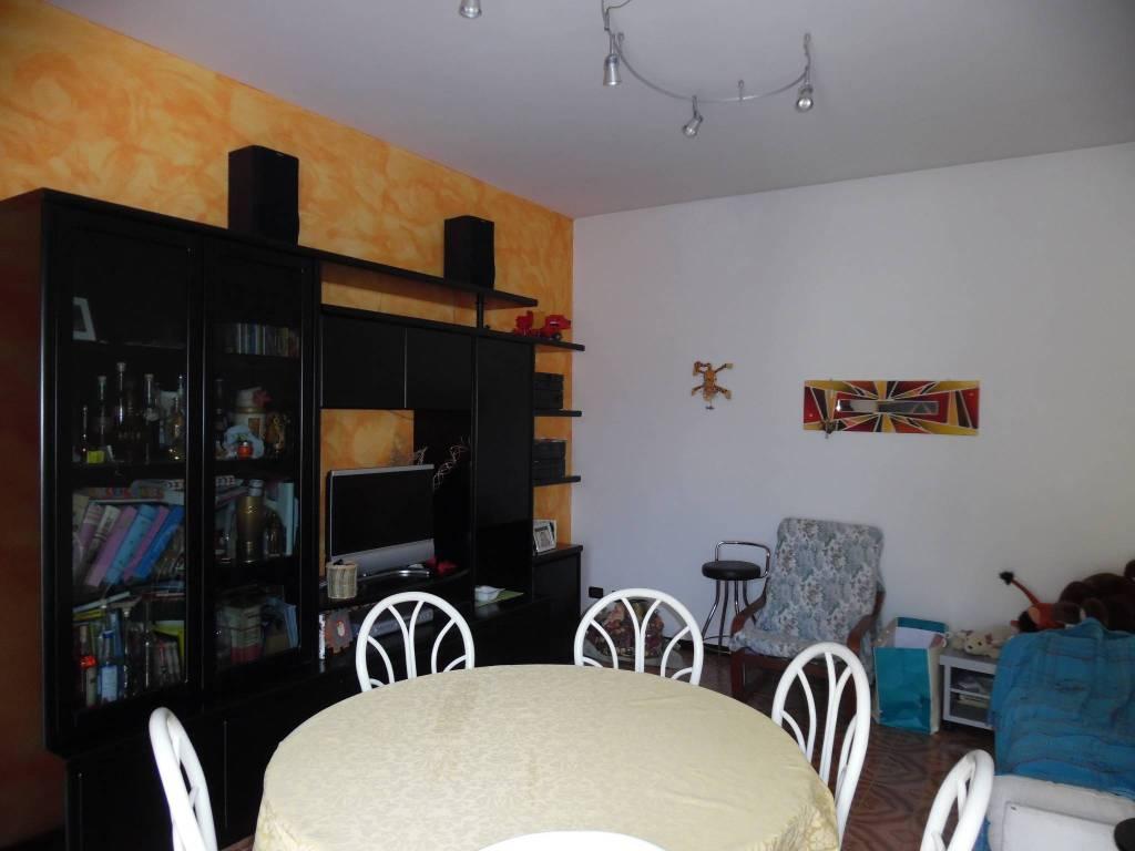 Attico / Mansarda in buone condizioni parzialmente arredato in vendita Rif. 4516392