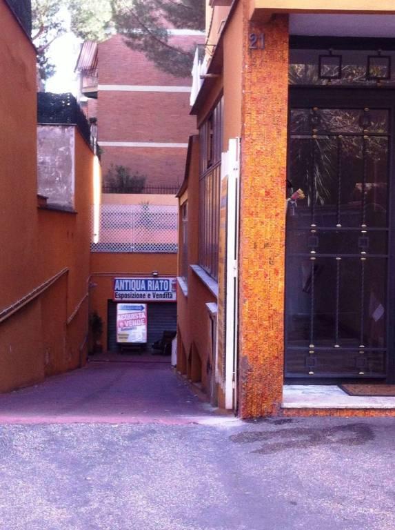 Magazzino in vendita a Roma, 9999 locali, zona Zona: 12 . Cinecittà,Don Bosco, Lucrezia Romana, prezzo € 85.000 | CambioCasa.it