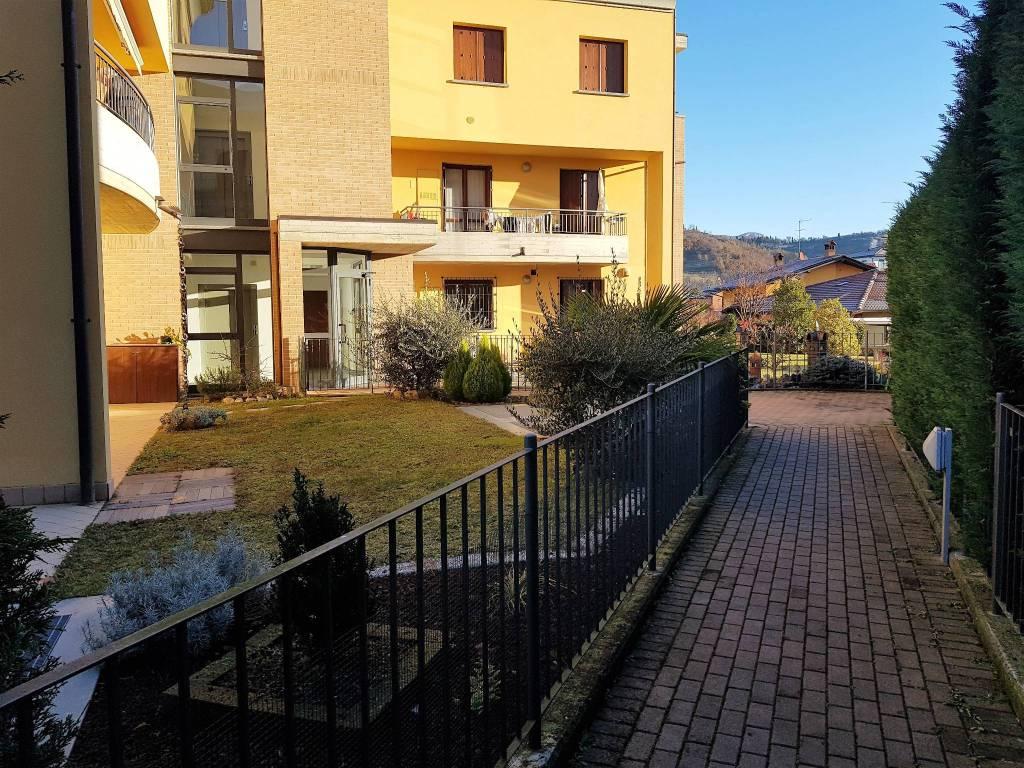 Appartamento in vendita a Albano Sant'Alessandro, 3 locali, prezzo € 170.000 | CambioCasa.it