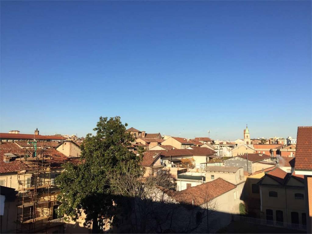 Appartamento trilocale in affitto a Asti (AT)
