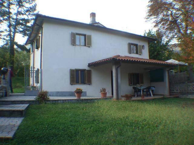 Monte San Giovanni in Sabina (RI) Villino bifamiliare