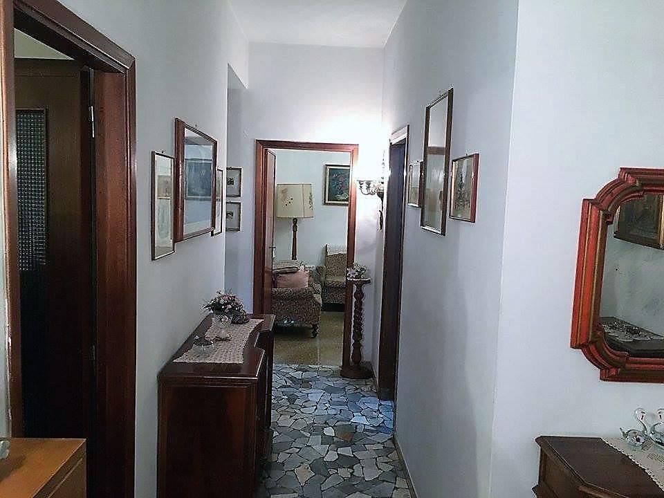 Appartamento in Affitto a Pisa Semicentro: 4 locali, 85 mq