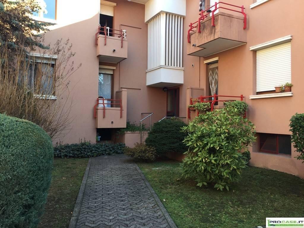 Appartamento in vendita a Gerenzano, 4 locali, prezzo € 195.000 | CambioCasa.it
